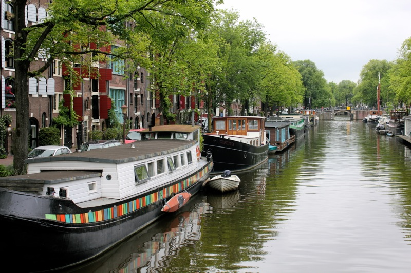 Canal_houseboats