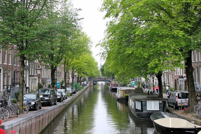 Summer_amsterdam_canals