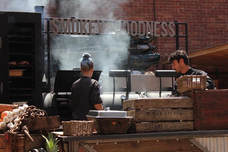 barbecue_smokey_jos