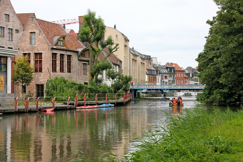 canals_boat_gent