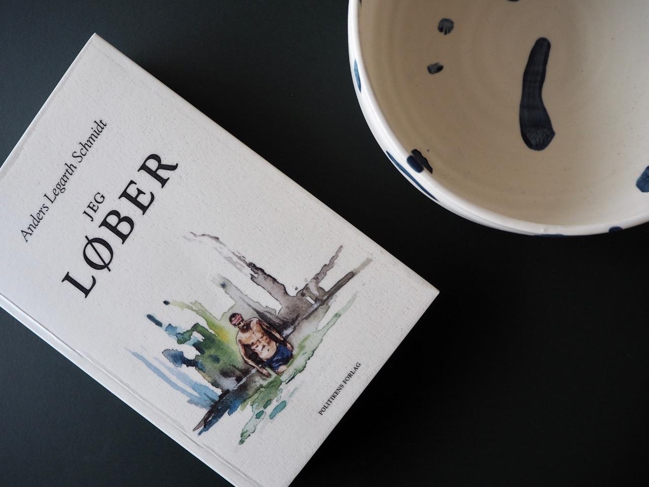 Jeg_loeber_bog